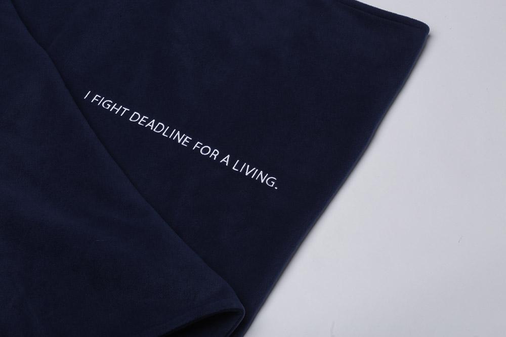 [PRE-ORDER] ผ้าห่ม 'I FIGHT DEADLINE FOR A LIVING'